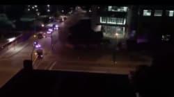 Un véhicule blindé attaque le quartier général de la police de