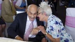 2人合わせて194歳、最高齢の新婚カップル誕生「ついにその時が来ました」(画像集)
