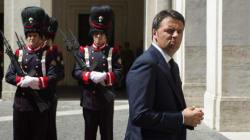 Renzi cerca l'ordine nel caos: troppi fronti aperti, si coalizzano contro di