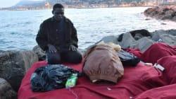 Migranti, sgombero a Ventimiglia, momenti di tensione
