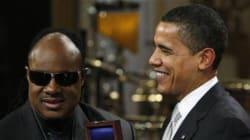 Le foto che incastrano Obama. Polemica sul party