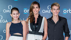 Cindy Crawford And Kids Perfectly Match On The Red