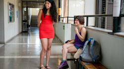In bermuda durante una seduta di laurea: cacciato