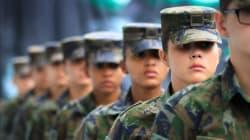 Mulheres poderão participar do serviço militar, decide