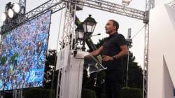 Nikos Aliagas à la tribune à Athènes pour défendre le
