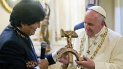 Crocifisso con falce e martello: il dono di Morales al