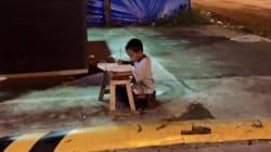 Daniel e il suo sogno: dalla luce del lampione ai banchi di