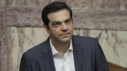 Tsipras vara il rimpasto. Ok dell'Ue al prestito ponte di 7 miliardi per la