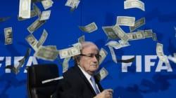 La Fifa ouvre une enquête contre Blatter et