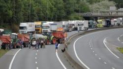 Des éleveurs en colère bloquent le périphérique de Caen et exigent de voir Le