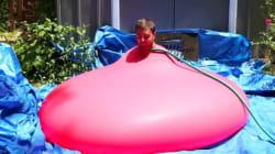 Este globo está a punto de explotar... ¡y lo han grabado en 'slow
