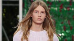 Dior crée la controverse en faisant défiler un mannequin de 14