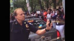 Poliziotto bianco scatenato con lo spray al