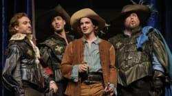«Les Trois Mousquetaires» d'Alexandre Dumas au TNM à Montréal : un spectacle