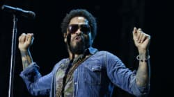 Lenny Kravitz craque son pantalon en plein