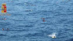 Quei puntini neri in mezzo al Mediterraneo che non disturbano Cameron e i governi