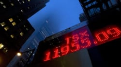 Loonie, TSX End 2015 On A Weak
