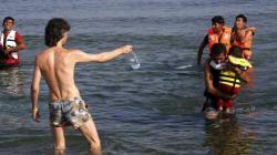 I migranti che sbarcano a Kos e Lesbo da Budrum
