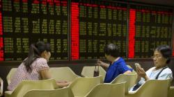 Borsa Cina crolla ancora, l'Europa