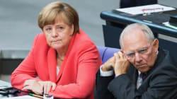 Bundestag approva il terzo salvataggio della Grecia. E la Ue sigla il