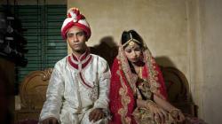 Crime ou tradição? Veja fotos do casamento de uma menina de 15 anos com um homem de