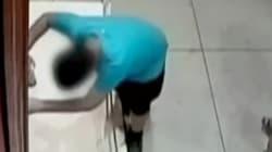 Un enfant trébuche et déchire un tableau valant près de 2 M$