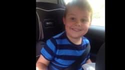 La alegría de un niño de cinco años al enterarse de que tendrá un hermano