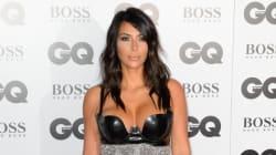 Kim Kardashian pose seins nus pour C