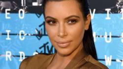 Kim Kardashian ose l'autodérision pour l'Halloween