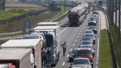 20 chilometri di coda in autostrada al confine tra Austria e Ungheria
