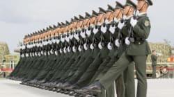 Cina, parata dei record per scacciare i guai. In mostra anche il missile