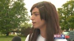 Chiede di usare bagni femminili al liceo perché transessuale: i compagni di scuola si