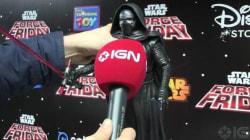 Prêts à tout pour avoir une info, les fans de Star Wars interviewent des