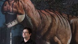 Coolest Job Ever? Artist Creates Amazingly Vivid Dino