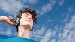 La musica fa felice il cervello, al pari del cibo e del