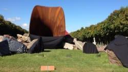 Sculpture de Kapoor à Versailles: les tags antisémites ont été