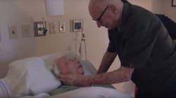 ASSISTA: Vovô de 92 anos canta canção de amor para a amada no