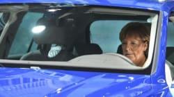 L'immagine ammaccata di Angela Merkel dopo il