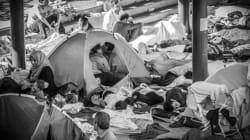 Questo bacio nel campo profughi dimostra che l'amore è