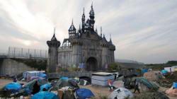 Banksy envoie son parc aux réfugiés de la