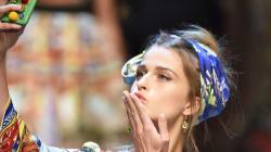 Le selfie en vedette du défilé printemps-été 2016 de Dolce & Gabbana