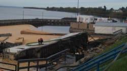 Un camion termine sa course dans la rivière