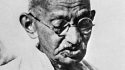 17 Rare Photos Of Mahatma Gandhi For These Divisive