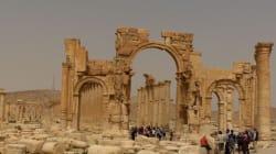 Isis fa saltare in aria l'Arco di trionfo a