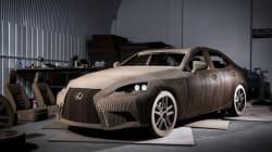 Une Lexus IS en carton grandeur-nature (et qui roule)