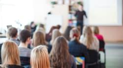 Il 70% dei genitori soddisfatto degli insegnanti, ma la metà farebbe studiare i figli