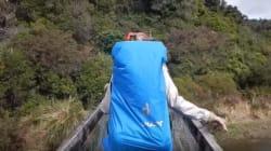 Un pont s'effondre sous les pieds de randonneurs