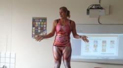 Cette prof se déshabille en plein cours (mais elle a une bonne