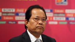 La FIFA suspend le président de la fédération