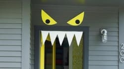 9 Easy, DIY Halloween Door Decorations For This